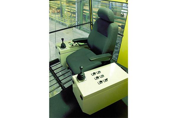 Brieda Cabins - Traditional control station PMB15